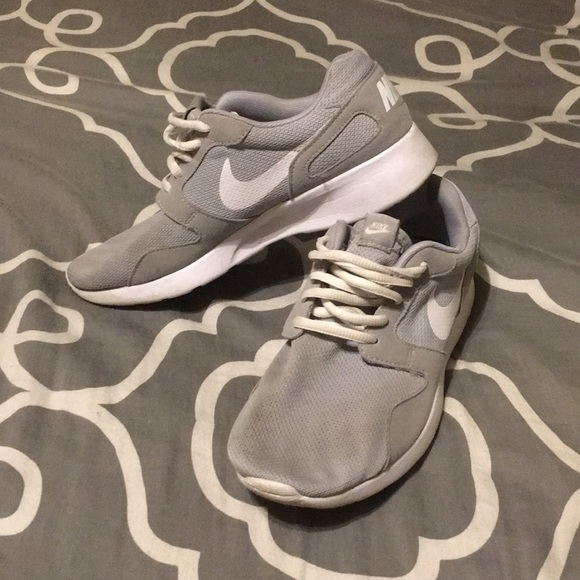 Gray Nike Tennis Shoes